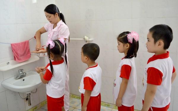 Nước rửa tay dưỡng da