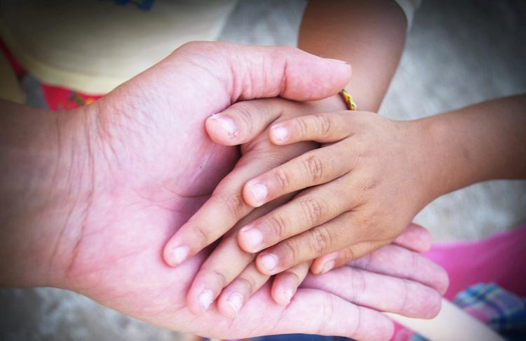 Nước rửa tay khô y tế ngăn ngừa bệnh chân tay miệng