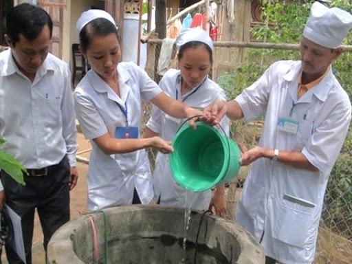 Phèn chua dùng để lọc nước