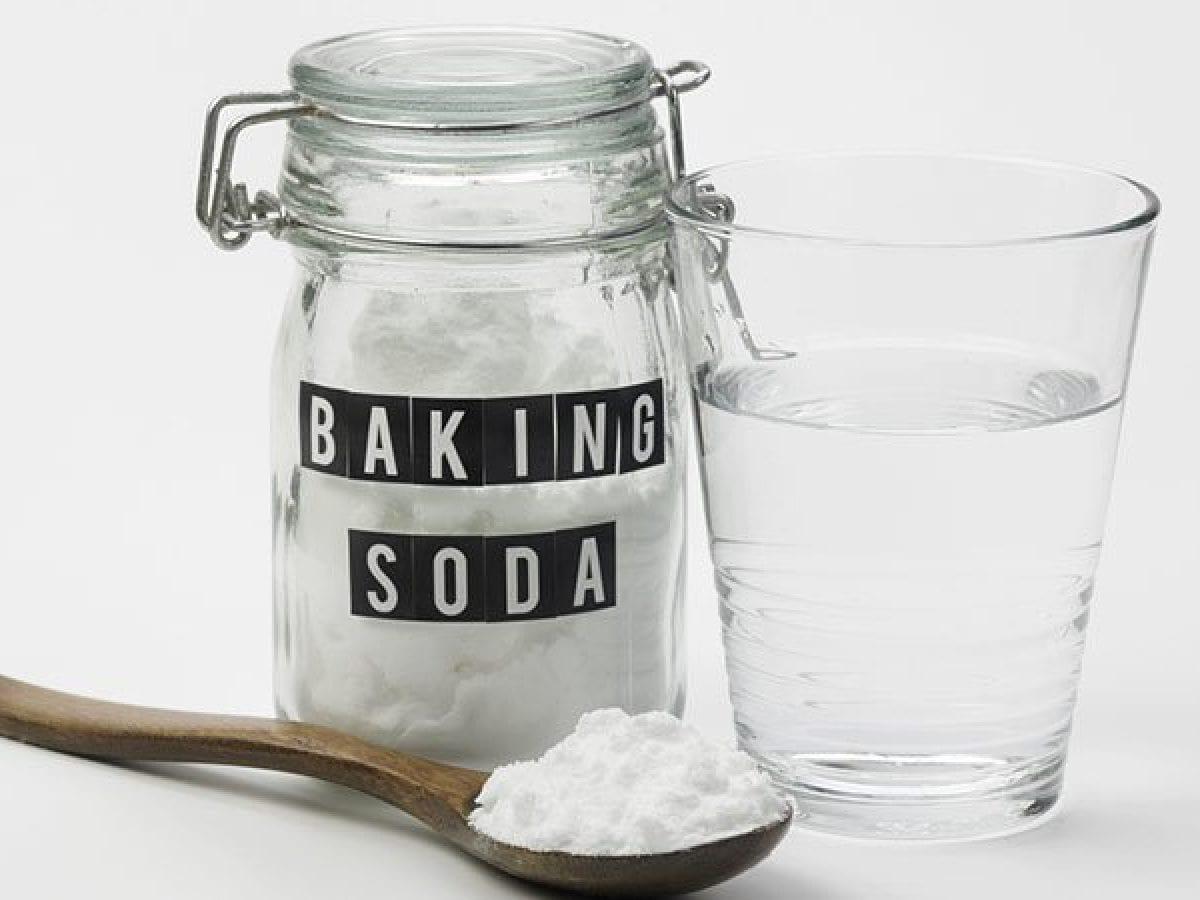 Baking soda giúp loại bỏ vết dơ